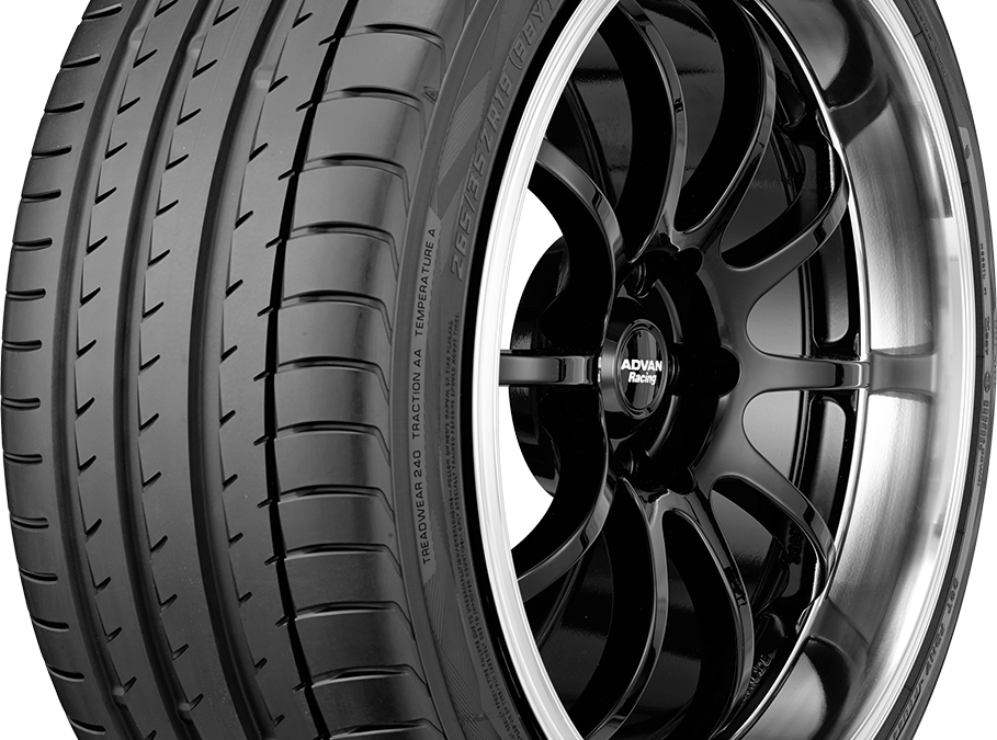 Yokohama ADVAN Sport V105 Tire